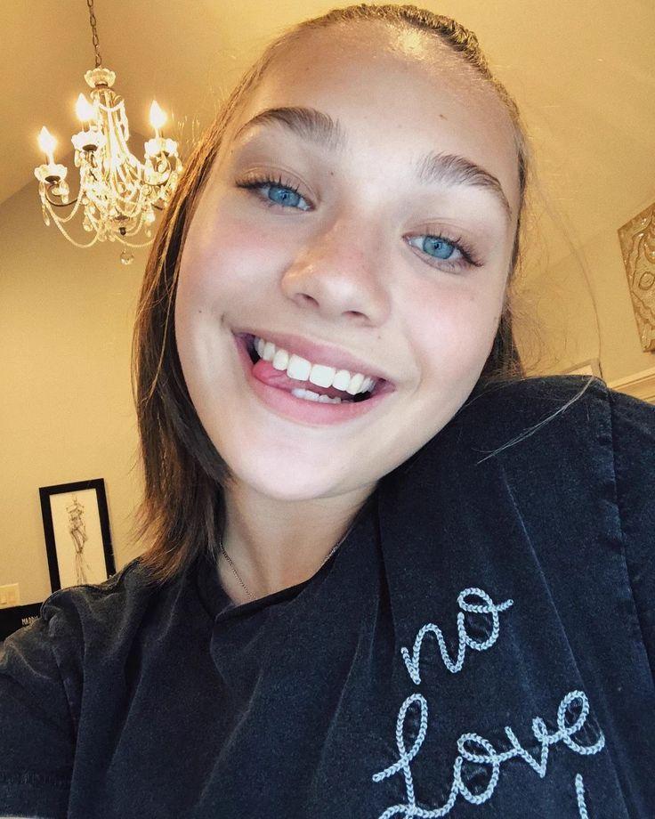 I love her eyes fk she's hot