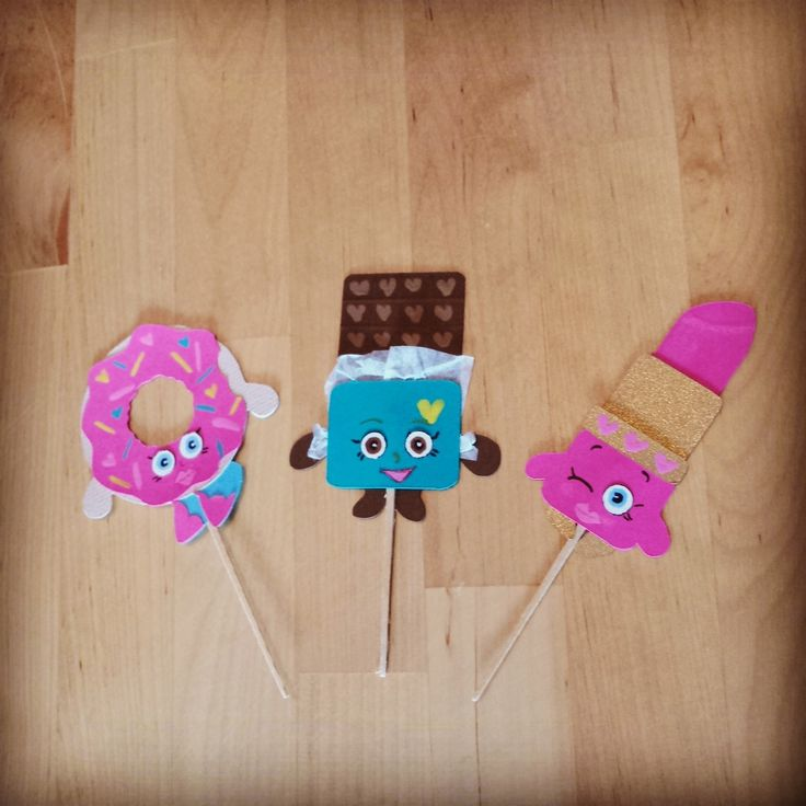 Shopkins cupcake toppers using cricut craft room for Cricut mini craft room