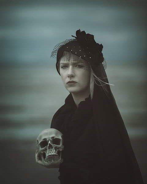 Another one taken by Magda Russ  something spooky for thing time of year ☺ #spooky #skull #gothic #blackwidow #blacklace #conceptualphotography #conceptual #art #beauty #photography #photoshoot #palegirl #expression #emotion #creativity #irishbeach #dark #moody #halloween #dark #sombre #haunting #female #feminine #modelling #model #irishmodel #irishlandscape