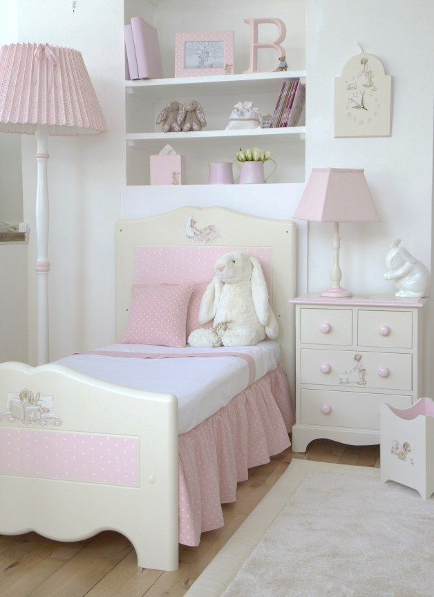 This luxury Belle and Boo roomset is the perfect design to fill your little girls bedroom. Each little scene with Belle and her little rabbit Boo can be seen sharing a story or hot chocolate on the ends of your headboards or wardrobes.