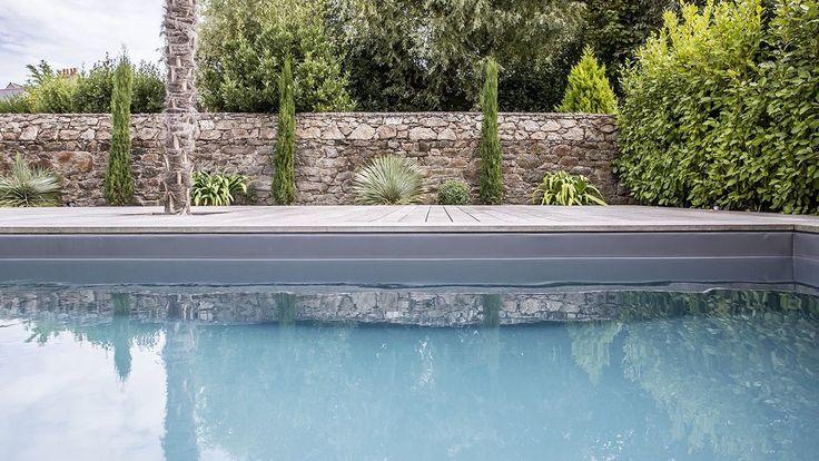 Mariage du bois et du bleu · l'esprit piscine