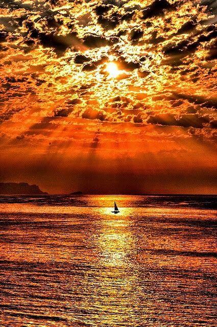 Beautiful sunset                                                       …                                                                                                                                                                                 Más