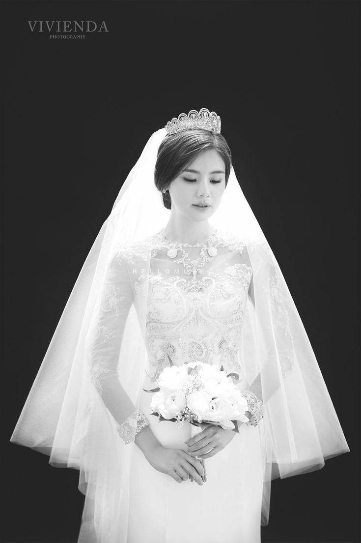 simple wedding dress simple bridal gown Korean