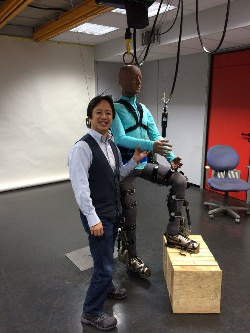 Brain-controlled exoskeleton to help kick off FIFA 2014 World Cup - The cells are also used to monitor the patient's vitals