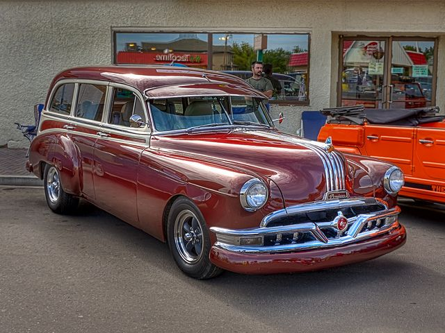Pontiac Station Wagon | Flickr - Photo Sharing! I like the VW Thing next to it also. :-)