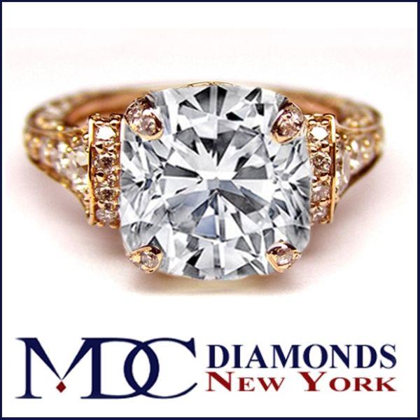 Anel de noivado - Catedral Diamante Almofada Grande Graduado pavimentar anel de noivado 1,25 tcw.  Em 14K Rose Pink Gold - ES745CURG por Heidi-Vogel