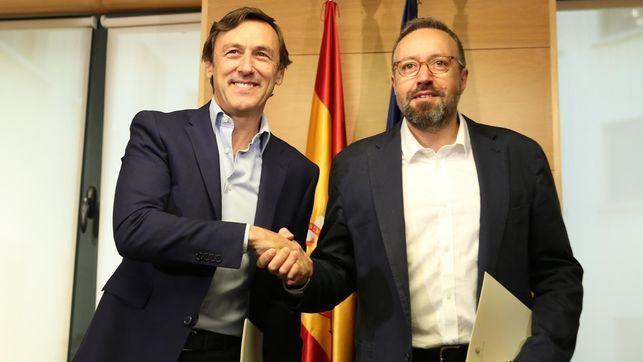 Partido Popular y Ciudadanos impiden que las pensiones suban un 1,2% en 2017 http://www.eldiariohoy.es/2017/08/partido-popular-y-ciudadanos-impiden-que-las-pensiones-suban-un-1-2-en-2017.html?utm_source=_ob_share&utm_medium=_ob_twitter&utm_campaign=_ob_sharebar #pp #ppsoe #psoe #españa #politica #gente #denuncia #corrupcion #Spain #protesta #rajoy #MiguelBlesa #esperanzaaguirre