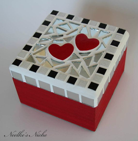 Decorative mosaic box por NeelkesNiche en Etsy