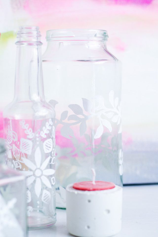 How to Decorate Glass Jars With Porcelain Paint Pens (With Free Printables) | eHow