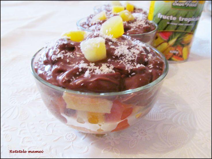 Budincă cu fructe tropicale