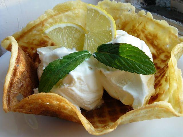 A kedvenc fagylaltom: a citrom. Ha bárhol betérünk egy fagyizóba mindig a citromos fagyit kóstolom meg legelsőként. Itthon is próbálkoztam m...