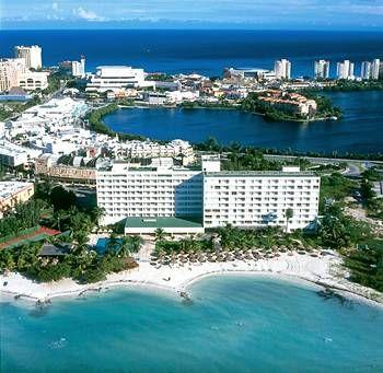 Oasis Viva Beach Cancun!