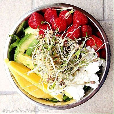 RECEPT - SALADE RUCOLA, FRUIT, AVOCADO, GEITENKAAS - Tips en inspiratie voor een fun & healthy lifestyle