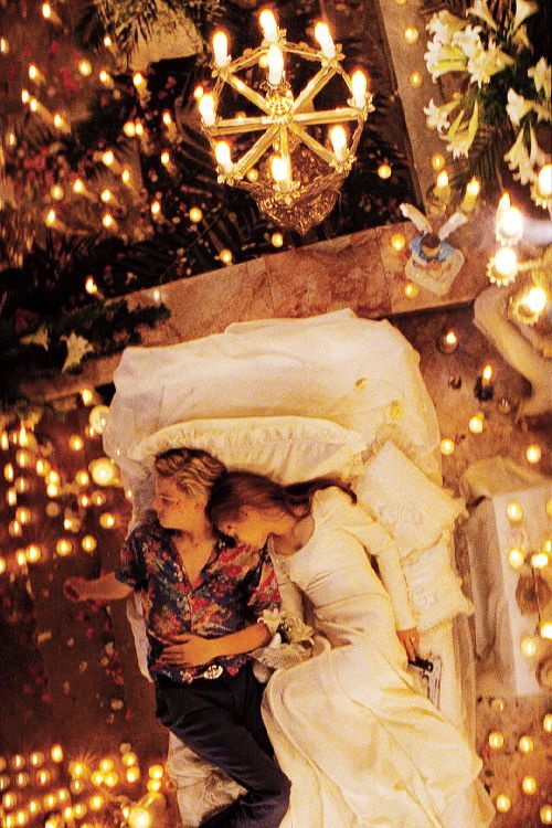 Leonardo DiCaprio and Claire Danes in Baz Luhrmann's Romeo and Juliet (1996)                                                                                                                                                                                 Plus
