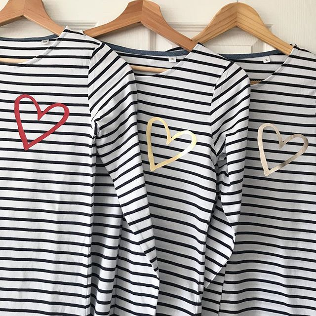 Wow that was a late one last night...lots of packaging up to do today and a big post run 🏃♀️ these new heart tops have been the favourite this week..perfect for Valentine's Day or just any day really ❤️ you can choose your heart colour online, which is your favourite? S&S x
