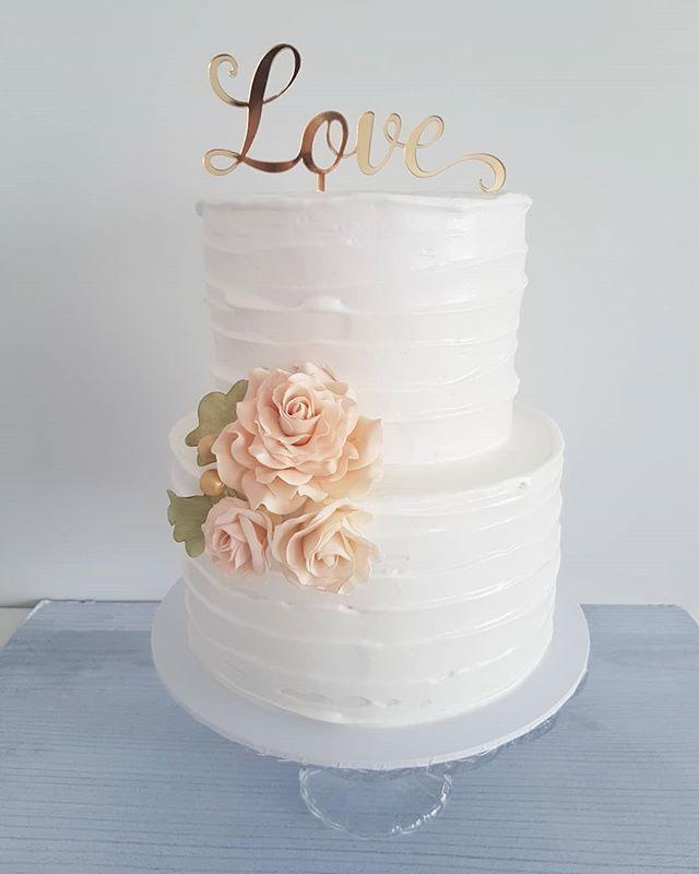 Hi Cakies... Meet 'Siobhan' pretty & elegant. Congratulations to the lovely couple xx  www.redapron.com.au