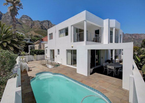 Book now private self-catering vacation accommodation. Affordable to luxury Southern Staying South Africa holiday homes, flats, rooms. Selfsorg Akkommodasie