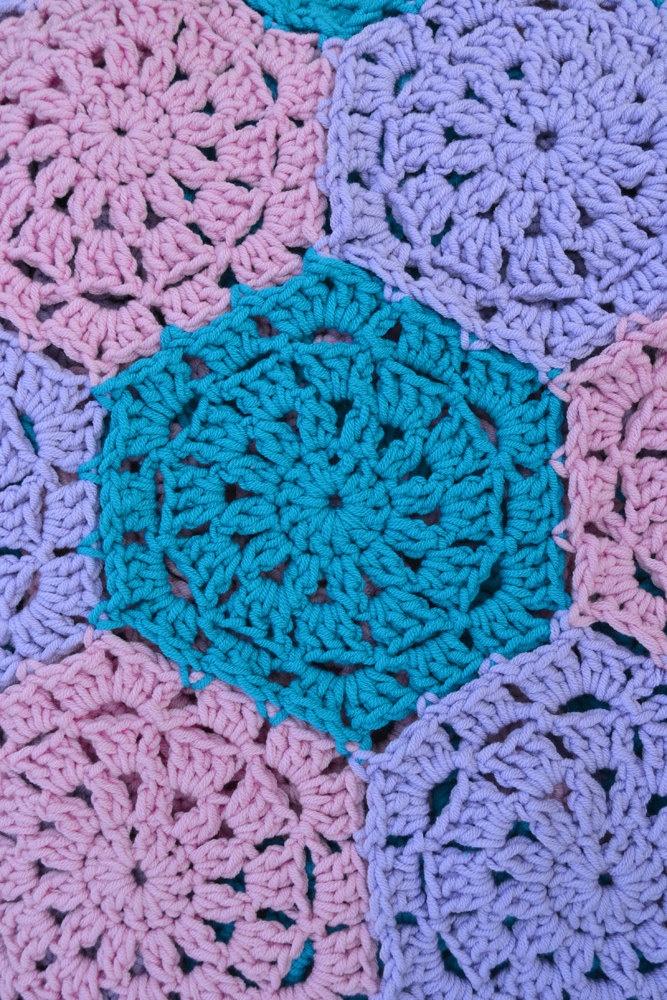 1 Inch Crochet Flower Pattern : 106 beste afbeeldingen van HAKEN HEXAGON-PENTAGON ...