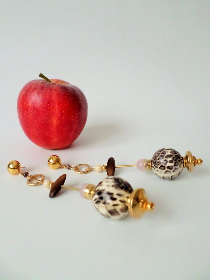 orecchini in ottone, quarzo rosa, legno