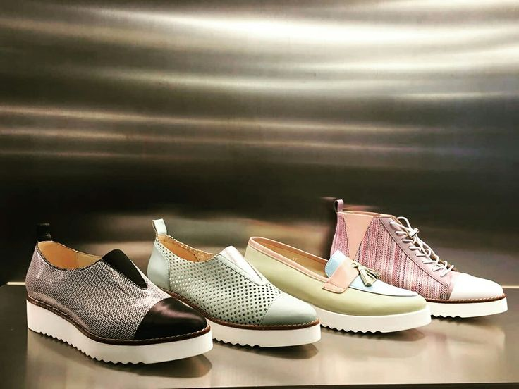Unsere TAPODTS Lieblinge im Schaufenster entdeckt...  #shoes #boots #fashion #weloveshoes #shoelover #pastell