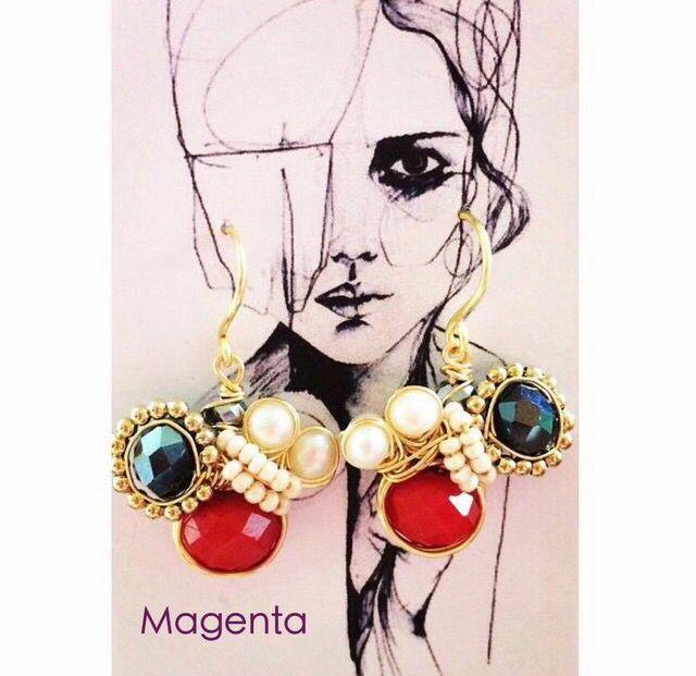 Handmade. Goldplated. Pearls. Hecho a mano. Chapa de oro. Perlas y cristales.  Hecho en México. Magenta Chihuahua