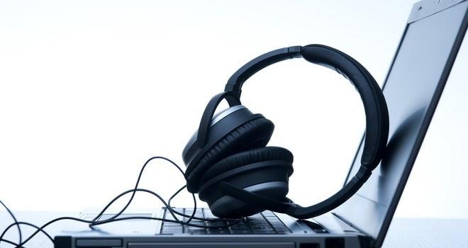 La pirateria de musica en linea palidece en comparacion al intercambio fisico