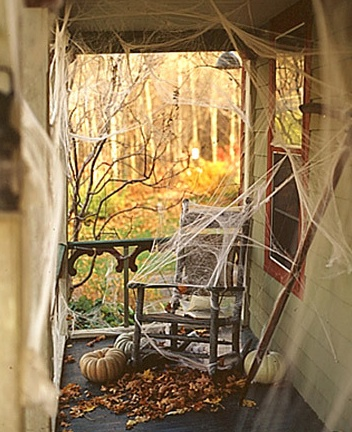 Haunted house decor halloween spider webs ms fall and for Horror house decor