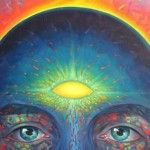 """Der berühmte Philosoph Descartes beschrieb die Zirbeldrüse als denHauptsitz der Seele. Vielleicht hast du gehört, dass diese Drüse auch als das """"Dritte Auge"""" bezeichnet wird, ein mystischer Chakra-Punkt mit Wohnsitz in der Mitte der Augenbrauen. Dieser Zusammenhang ist gar nicht mal soweit hergeholt, da dieReiskorn große Zirbeldrüse in der Mitte deines Gehirns ihre Stoffe direkt"""