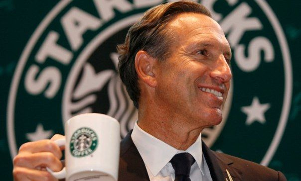 Мы продолжаем нашу рубрику о великих маркетологах, которым принадлежит наш мозг. И сегодня на очереди Говард Шульц со своей чашкой ароматного кофе!  У многих опытных специалистов при упоминании фразы «самые известные маркетологи» невольно всплывает имя Говарда Шульца. Прийдя в Starbucks Говард Шульц навсегда изменил обычную кампанию по продаже кофе в мировую сеть кофеен, вывел её из убытков и увеличил прибыль на 300%! Как ему это удалось?  Он запустил масштабную рекламную кампанию, провел…