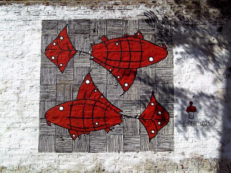 """Piscis ofendidos (@Germán Fray) B° de Palermo 34°34'21.2""""S 58°25'35.9""""W"""