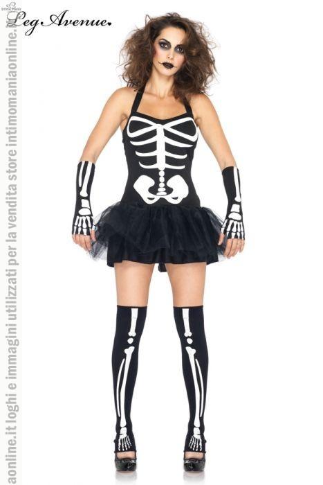 Leg Avenue, costume e travestimento per halloween da scheletro modello sexy skeleton. Il costume set 3 pezzi in colore nero e il disegno scheletrico in colore bianco. La parte superiore si allaccia al collo mentre la gonnellina è realizzata in morbide tulle nero sopra una retina nera. In coordinato sono presenti le calze elasticizzate che coprono fino a metà coscia e i guanti aperti che vi lasciano scoperte le dita della vostra mano. Le scarpe non sono incluse nella confezione.
