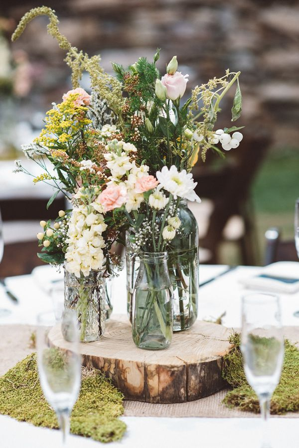 woodsy centerpiece - photo by J&G Photography http://ruffledblog.com/bohemian-arizona-brunch-wedding