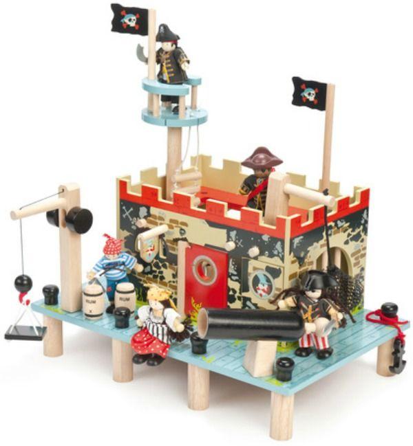 Buccaneers Pirate Fort #limetreekids