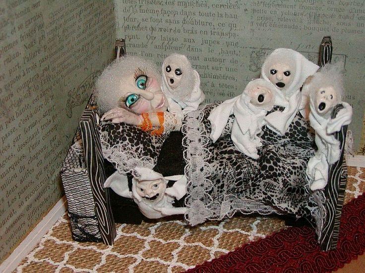 Dollhouse Miniatures Halloween Mother Ghostmoma!,moMA