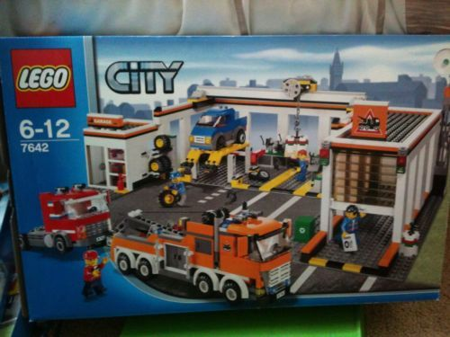 Lego City Garage and Recovery Truck 7642 - Complete 0673419112512 | eBay