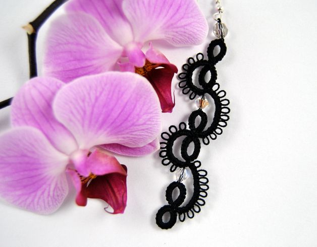 Kolczyki frywolitkowe czarne - Positively-Crazy - Kolczyki wiszące #biżuteria#handmade#earrings#jewelry#art#koronka#beautiful#rękodzieło#ręcznie#robione#handicraft#buy#lace#kolczyki#frywolitka#wiszące#tatting#czarne#black#kryształy#crystals#swarovski#schwarz#Occhi#Ohrringe#Schmuck#Kunsthandwerk