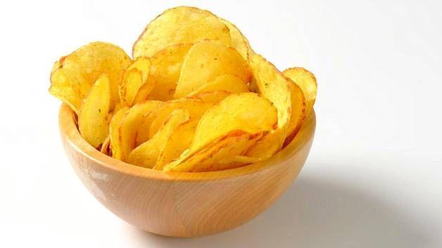 Kotitekoiset perunalastut voi maustaa oman maun mukaan.