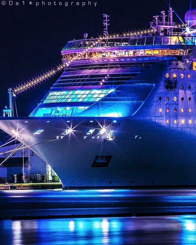I Cruise Ships At Night This Costa Ship Looks So Pretty Do You Like Staying In Port Over Cruise Ship Pictures Small Ship Cruises Carnival Cruise Ships