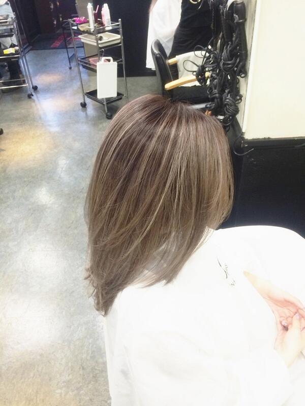 「メッシュで個性的な髪色を手に入れよ!《ヘアカラーカタログ》」に含まれるツイート画像|MERY [メリー]