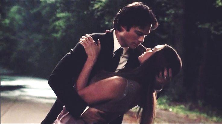 The Vampire Diaries 6x22: Damon and Elena last dance