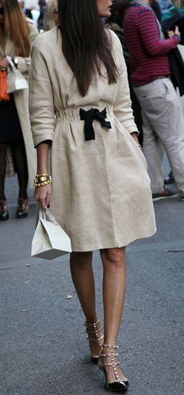 Me encanta este vestido no tiene nada especial sólo la elegancia del diseño y el toque en negro.