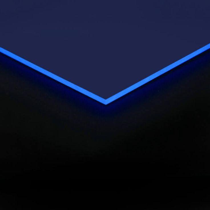 Acrylglas blau fluoreszierend