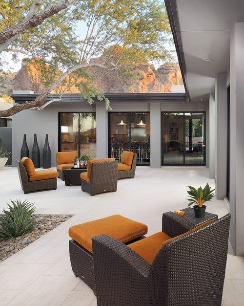 Schön Modern Outdoor Living Space With A Pop Of Color. For My Courtyard