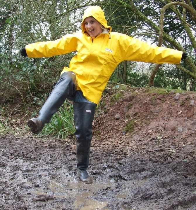 MuddyBootsAndRainwear - Yahoo Groups