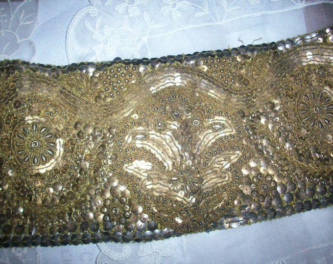 Fornisce mozzafiato design in metallo oro antico oro trim dell'annata