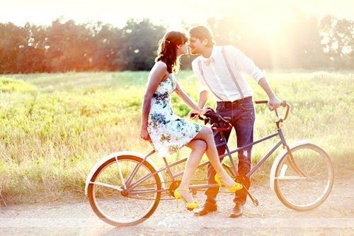 ♥: Bicycles, Ideas, Engagement Pictures, Vintage Bikes, Engagement Photos, Tandem Bikes, Engagement Pics, Bikes Riding, Summer Romance
