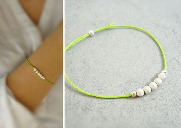 Silberarmbänder - Greenery - Silberperlchen Armband Hellgrün - ein Designerstück von MinjasJuwelen bei DaWanda