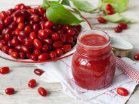 Kornelkirsche-Rezepte   EAT SMARTER