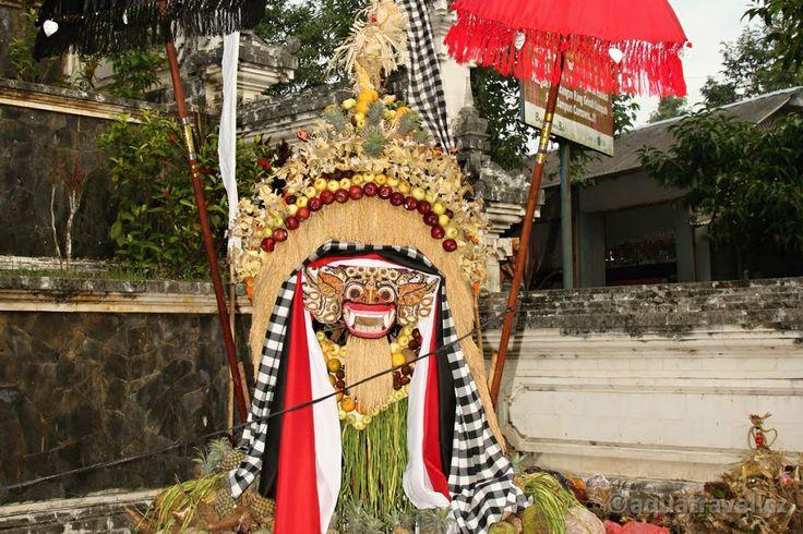 Lempuyang, Barong