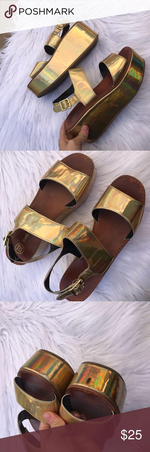 RIVER ISLAND SZ 9 HOLOGRAPHIC GOLD PLATFORM SHOES Cute platform sandals River Island Shoes